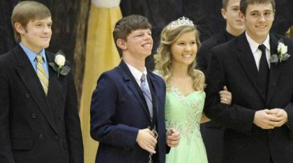 Good Morning America - Homecoming Surprise for Tennessee Teen ABC News